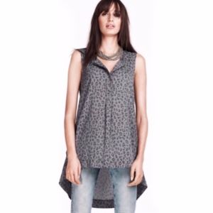 H&M Gray Leopard Print High-Low Sleeveless Blouse